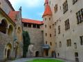 hrad bouzov 1