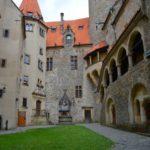 Státní hrad Bouzov – Krásný den s rodinou